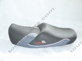 Baehr ZENTAURO istuin, musta/harmaa, Suzuki GSX1400 2001-